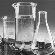 Dụng cụ thủy tinh trong phòng thí nghiệm